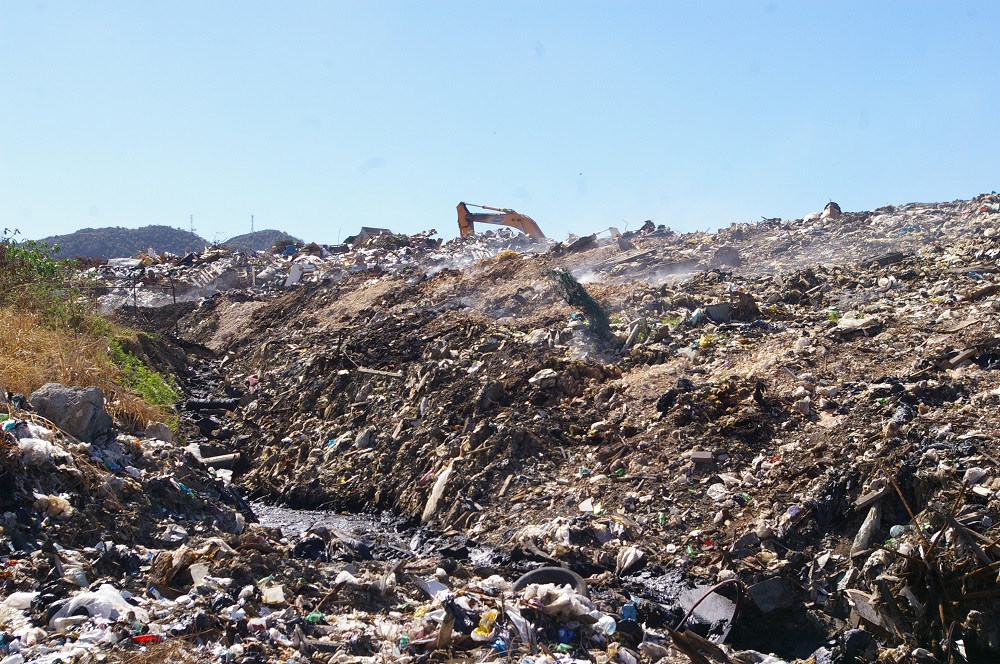 Nature Foundation Suggests Communities Surrounding Philipsburg Landfill Wears Facemasks to Protect Against Harmful Fumes; Makes 100 Available For Free